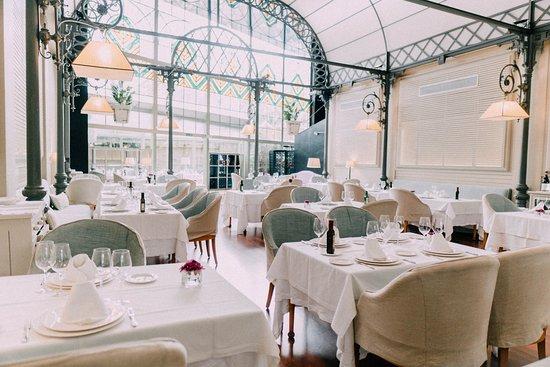 En este momento estás viendo El Restaurante Oriza de Sevilla recibe el certificado  de establecimiento Chinese Friendly